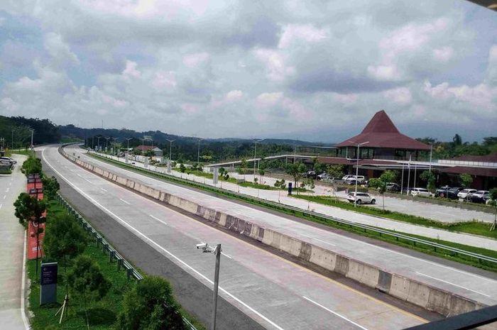 Ilustrasi jalan tol Semarang-Solo