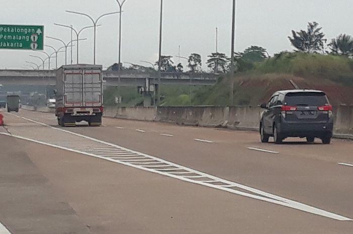 Melaju di jalan tol, ada batas kecepatan maksimumnya (ilustrasi)