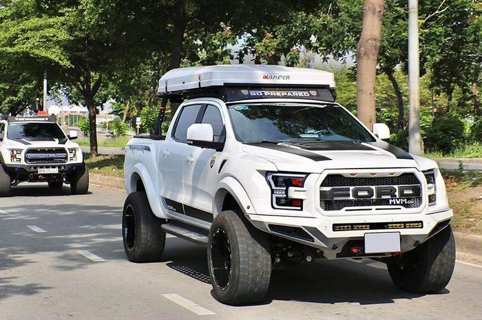 Duet modifikasi Ford Ranger hasil garapan bengkel MVM 4x4, Vietnam
