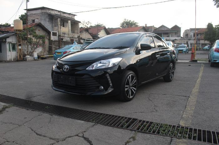 Toyota Vios Limo eks taksi upgrade versi Thailand di Pool Blue Bird Kramat Jati, Jakarta Timur