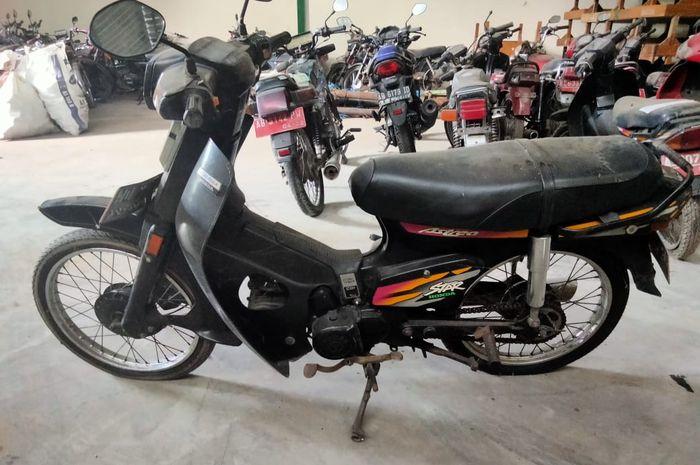 Honda C86 atau Astrea Star dilelang Rp 300 ribuan