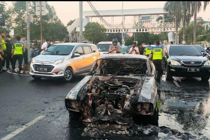 Kondisi Ford Mustang GT500 Eleanor B 60 NNE terbakar habis dari mesin sampai kabin