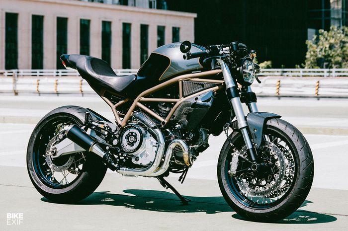 Ducati monster 797 cafe racer