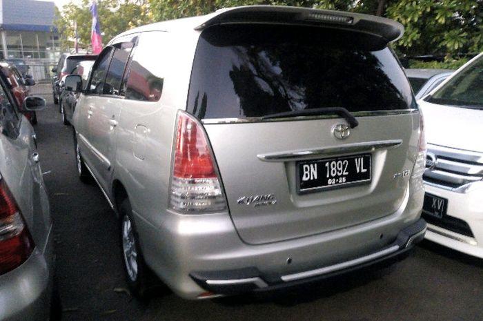 Toyota Kijang Innova diesel tipe G 2010 dilelang JBA