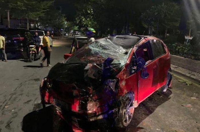 Honda Jazz sewaan hancur dibawa tiga cewek dan satu cowok di Penyayoman, Makassar