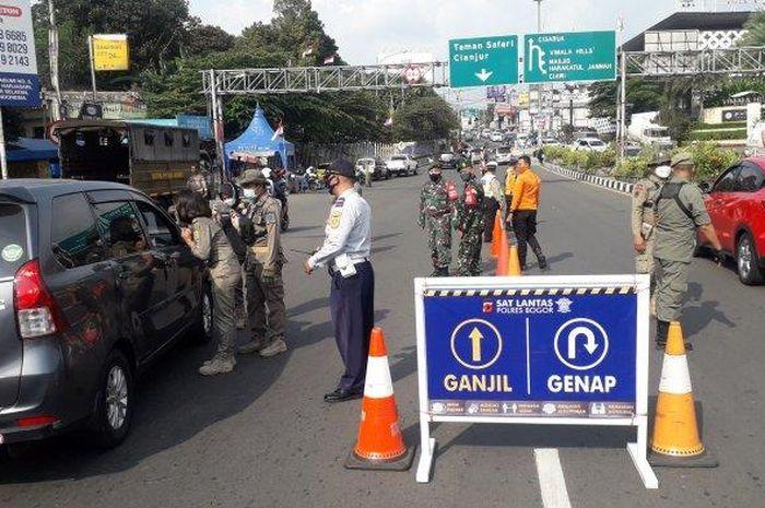 Uji coba ganjil genap di Puncak Bogor.