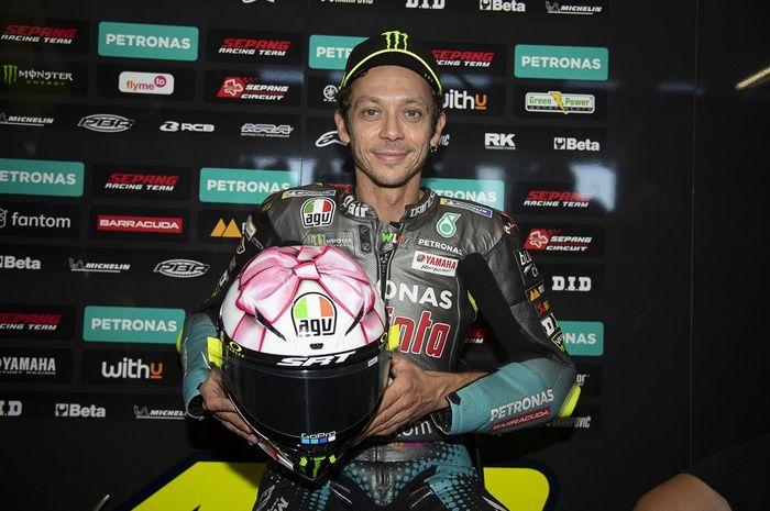 Valentino Rossi pamer helm spesial MotoGP San Marino 2021