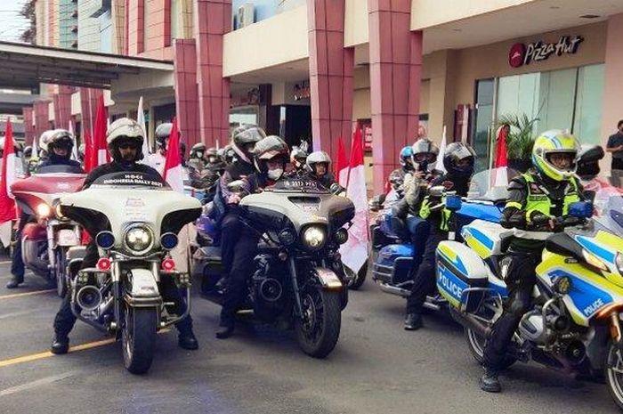 Rombongan moge Harley-Davidson yang tergabung dalam HDCI Indonesia Rally 2021.