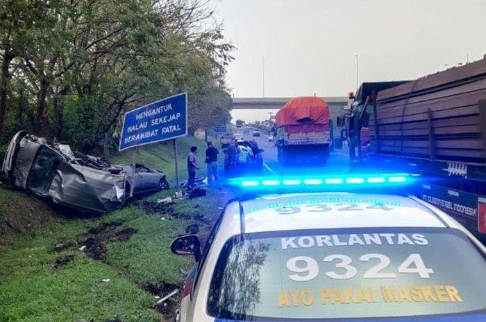 Kecelakaan yang melibatkan DAihatsu Gran Max dan Ayla di Tol Tangerang-Merak