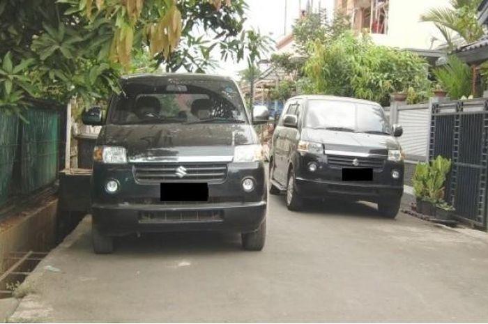 ilustrasi: Parkir di depan rumah hingga memakan jalan.