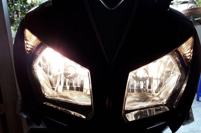 Ilustrasi lampu depan motor