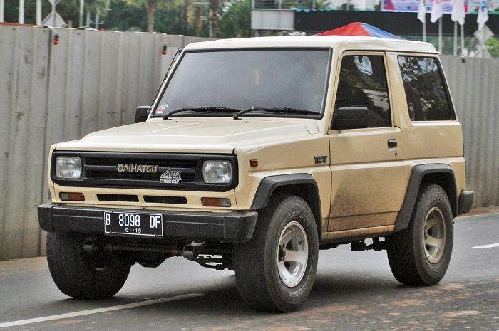 Daihatsu Taft 4x4 di jalan Indonesia