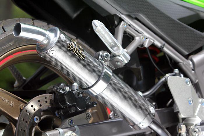 Ilustrasi knalpot motor 2-tak