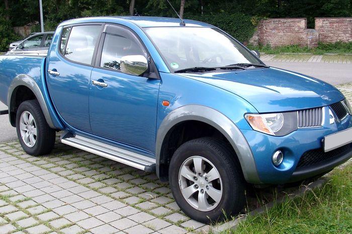 Ilustrasi Mitsubishi Triton
