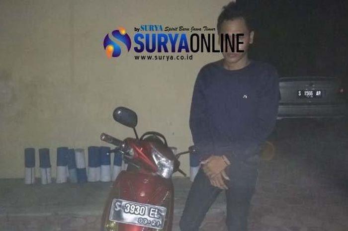 Pelaku penjambretan naik Suzuki Spin dibekuk petugas kepolisian Polsek Parengan Tuban