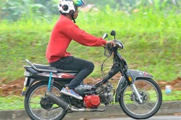 Honda Astrea Grand Bebek Dua Silinder 218 Cc Gridotocom