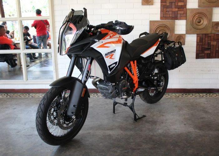 1504419911 ktm 1290 super adventure - Intip Motor Untuk Touring Bermesin Kecil, Nyaman dan Lebih Irit