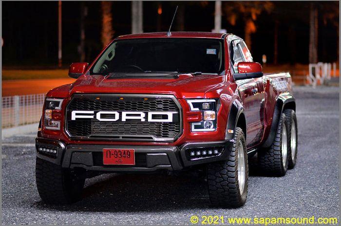 Modifikasi Ford Ranger 6x6 bertampang F-150 dan full audio asal Thailand