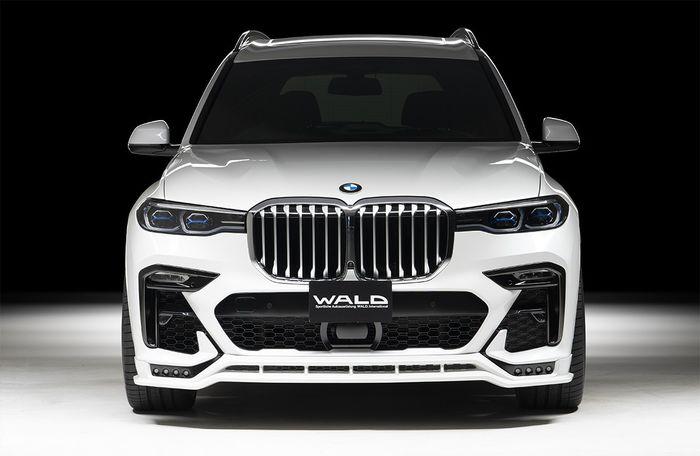Tampilan depan modifikasi BMW X7 dirancang lebih sporty