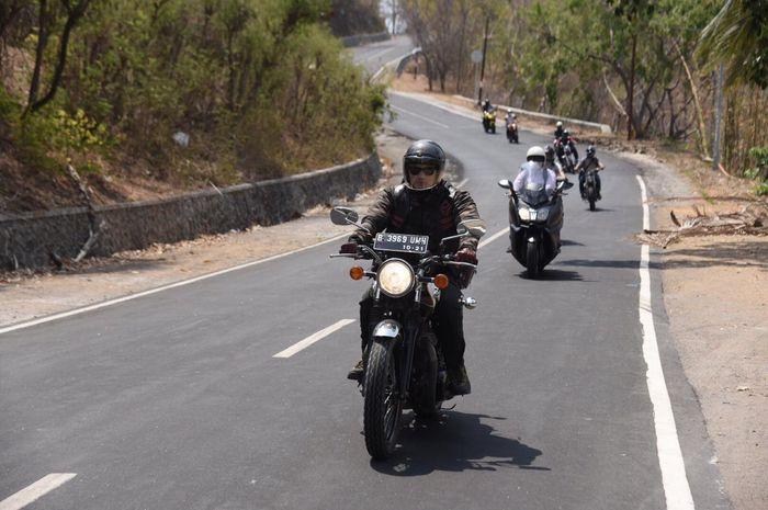Para riders Motorbaik Indonesia riding di Lombok