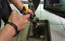 bolehkah membersihkan throttle body pakai cairan carburator cleaner ?