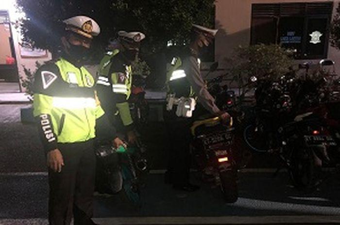 Satlantas Polres Bontang amankan puluhan motor berknalpot brong pada gelaran razia Sabtu (0108/2020).