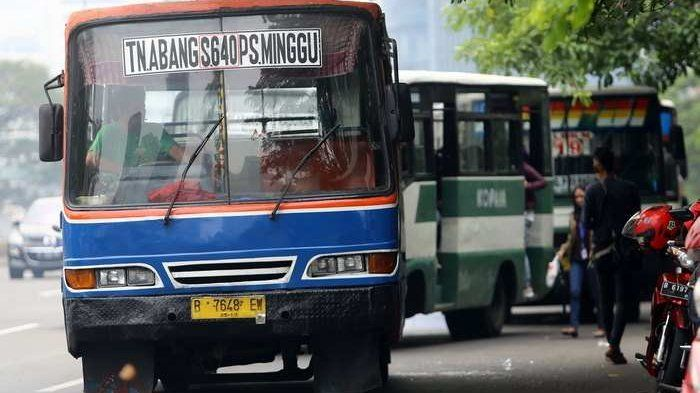 Angkutan umum kopaja dan metromini