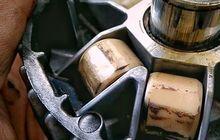 mitos atau fakta? roller peyang bisa bikin v-belt di motor matic putus