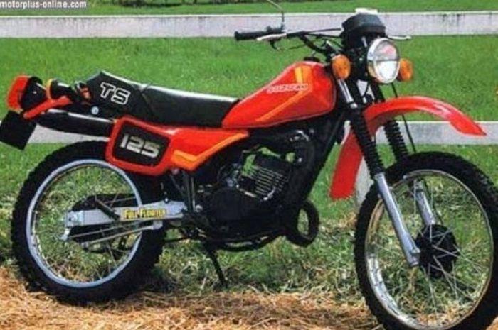 Suzuki TS125 yang sempat beredar di Indonesia