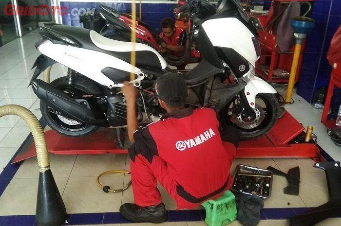 Ilustrasi ganti oli mesin Yamaha NMAX