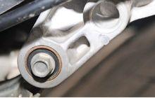 bikers harus tahu! ini umur pemakaian engine mounting di motor matic