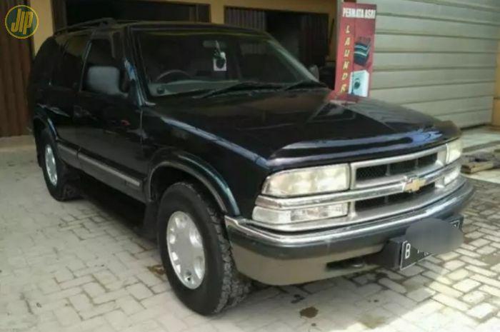 Opel Blazer DOHC tahun 2000