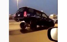video modifikasi mobil, bisa jalan sambil