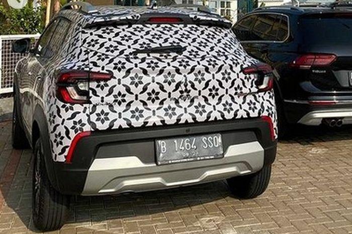 Renault Kiger dengan plat sementara terlihat di salah satu sudut Jakarta