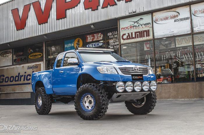 Modifikasi Toyota Hilux jadi rasa Amerika