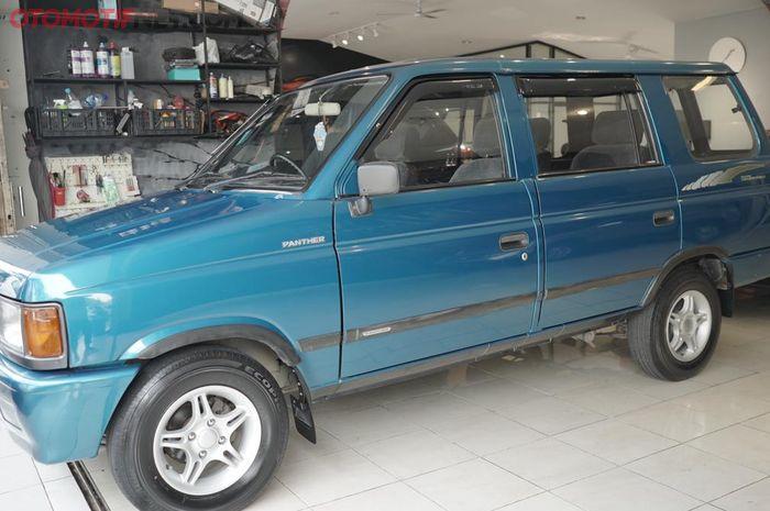 Isuzu Panther Grand Royale 1997, km rendah dilepas Rp 100 juta