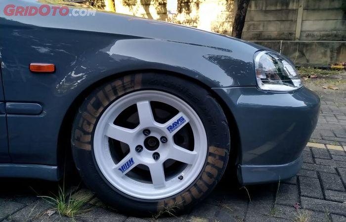 Pelek Honda Civic Ferio pasang Volks Rays TE37 plus tire bom cat semprot