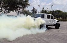 jeep gladiator gendong mesin hellcat v8, gampang aja diajak burn out!