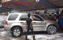 Biar Tahan Lama Kincongnya, Begini Lho Cara Mencuci Mobil Yang Benar