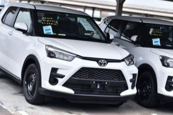 Toyota Raize tertangkap kamera sudah mendarat di Indonesia.