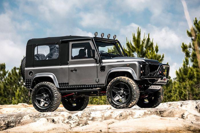 Modifikasi Land Rover Defender Convertible