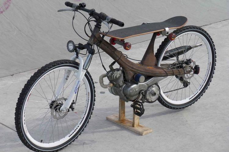 Gambar Modifikasi Sepeda Motor Jadul Ini Baru Yang Namanya Modif Sepeda Tapi Motor Lihat Aja Ban