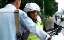 pemotor emosi dinasehati polisi soal helm, dikasih surat tilang langsung 'kicep'