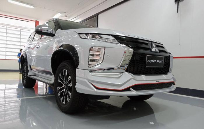 Tampilan depan modifikasi Mitsubishi Pajero Sports facelift