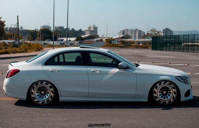 Fitment kandas Mercedes-Benz C250 mengandalkan suspensi coilover