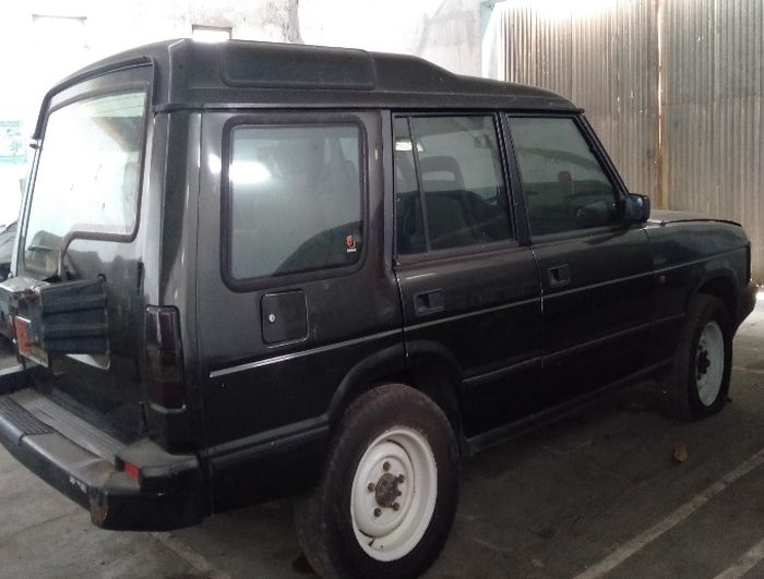 tampilan Land Rover Discovery rakitan 1994