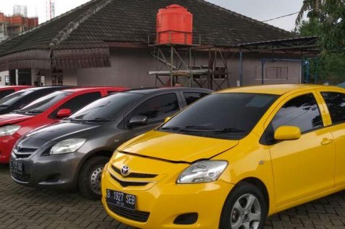 Toyota Limo Eks Taksi Blue Bird Rp 80 Jutaan Sudah Siap Gas