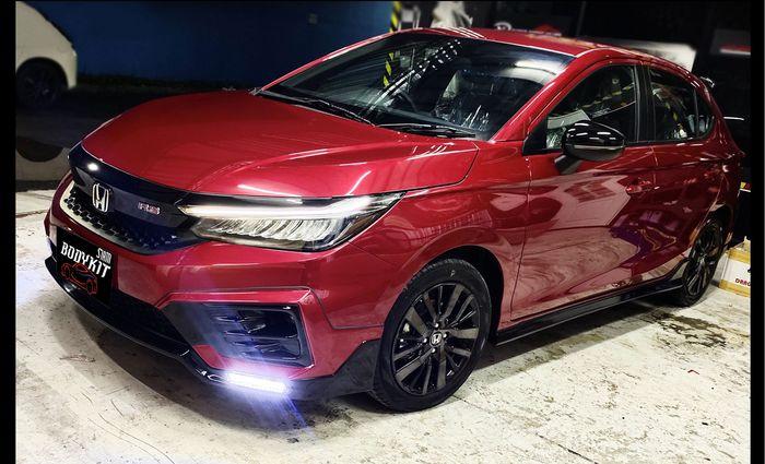 Modifikasi Honda City Hatchback hasil garapan Siam Bodykit, Thailand