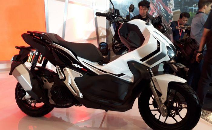 Honda ADV 150 warna Advance White
