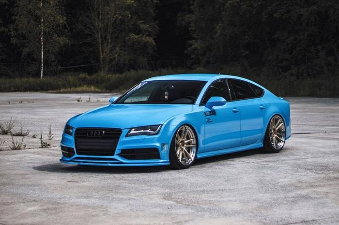 Modified Audi A7 sporty style with a fresh blue bandage